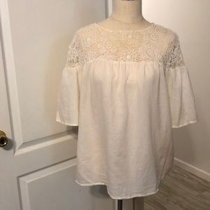 Beautiful ivory colored blouse!
